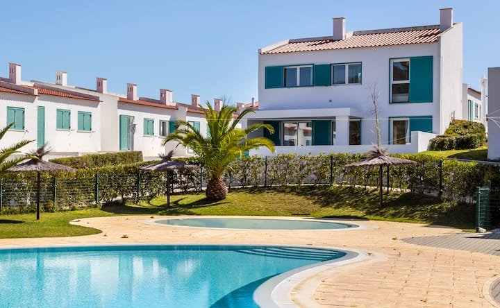 Fond Villa: Beachfront Experience
