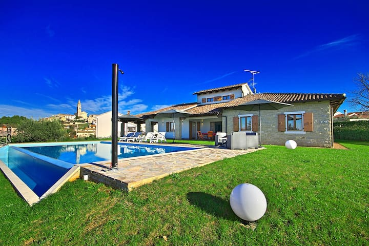 Modern groundfloor Villa Ciano with Pool - Višnjan - Casa de camp