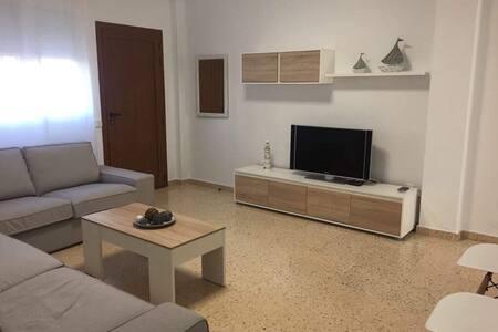 Bonita y amplia Casa/Planta Baja en Ibiza!!