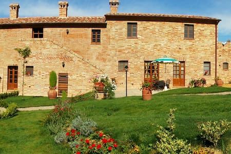 Apartments with Wi-Fi and Pool - Montepulciano - Lakás