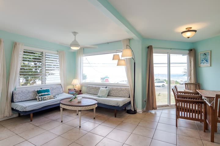 LAST MINUTE DEAL - get away right across beach!