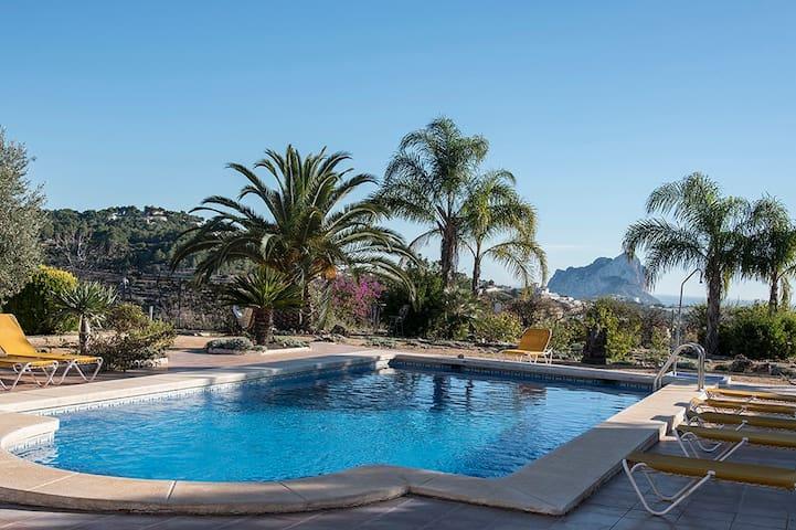 La Maravilla Bed and Breakfast on top location