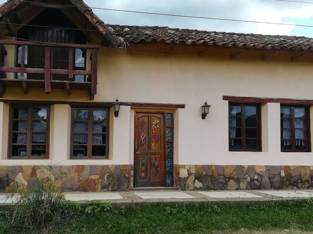 Casa Mandala (4 cuadras de la plaza) 1