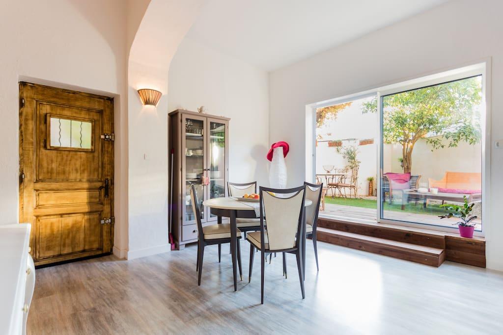 Aix centre jolie maison jardin la maison de tao houses - Maison jardin toulouse aixen provence ...