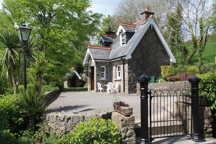 Tulligmore Cottage