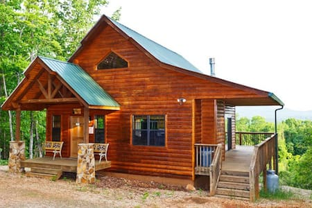 Bear Cub Cabin - 6+ ac Outstanding Views!   (WIFI) - Cleveland - Zomerhuis/Cottage