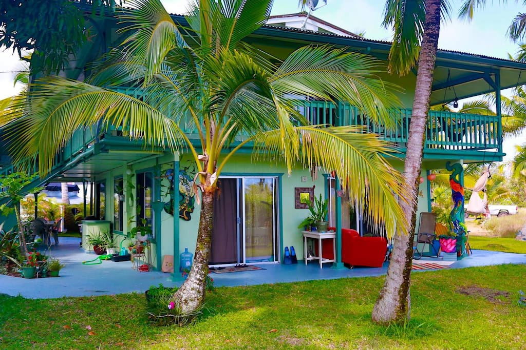 The Coconut Lanai in Seaview***