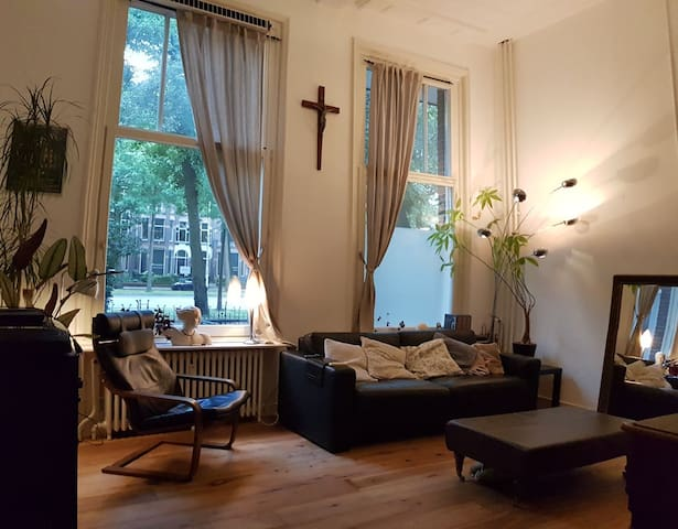 Spacious apartment in historic Nijmegen centre.