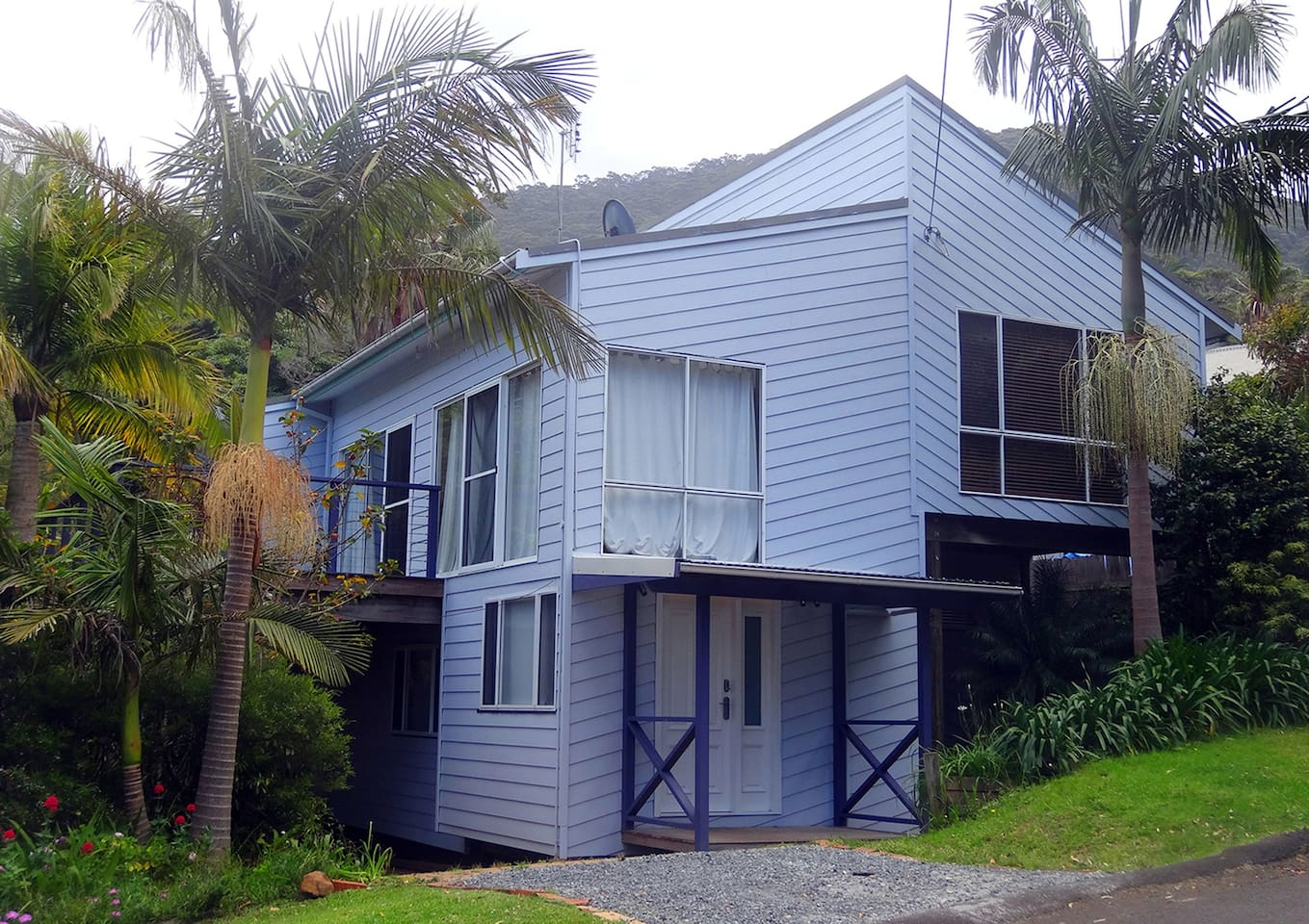 A Jacaranda House Accommodation for Six