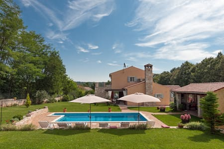 Villa with  pool for 8 persons - Prodol - Villa
