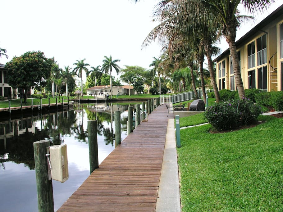 Cape Coral Waterfront Condo Apartments For Rent In Cape Coral Florida United States