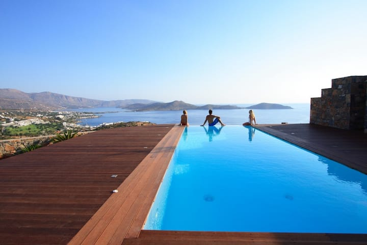 Holiday Pool Villa in Elounda, Lasithi