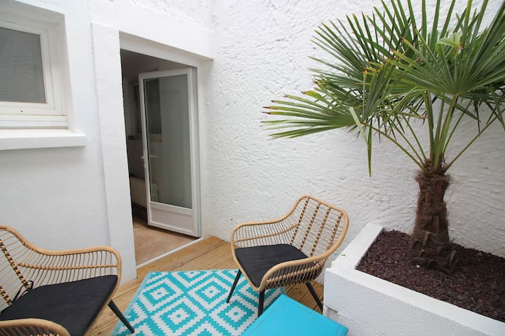 Maison lumineuse avec patio