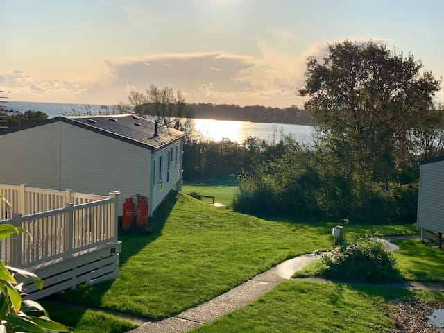 Luxury lodge by the sea on the Isle of Wight