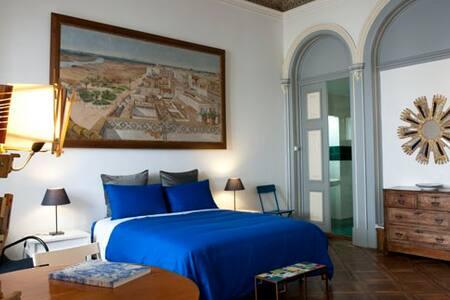 Charming room for Lisbon lovers