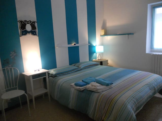 Finalborgo a blue room - Finale Ligure - Apartmen