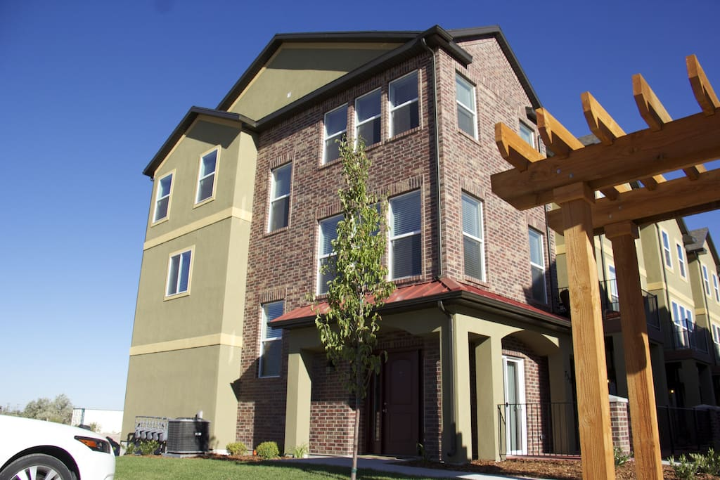 Large Town House 2000 Square Plus Houses For Rent In South Salt Lake City Utah United States
