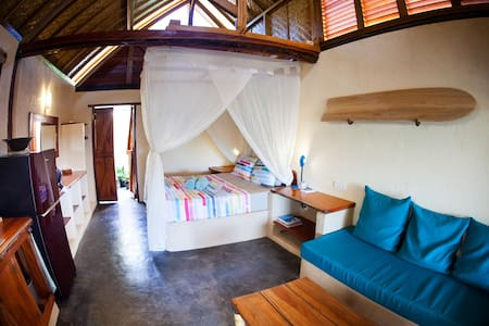 Eco-Bungalow on the beach in Gerupuk, Lombok!