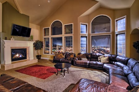 Luxury Mansion w/ Views! Sleeps Up To 60! 9,000 SF