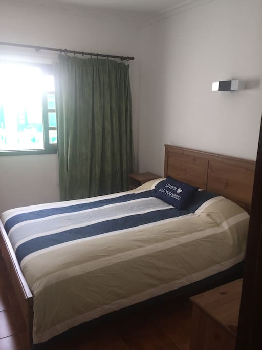 Habitación entrada, cama matrimonio