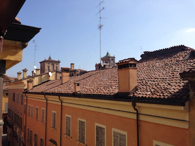 Apartment in the city centre! - Modena - Appartement