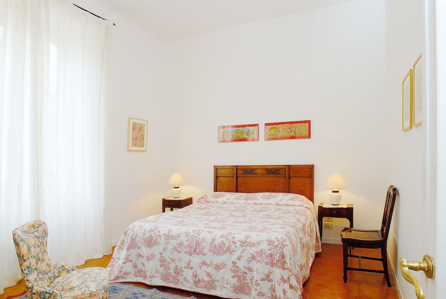 First master bedroomzzb bvcccmcmdbs..mmmmmm??..........NBBJBBUV