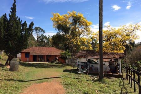 Casa de fazenda Sao Luis Paraitinga - Lagoinha - กระท่อม