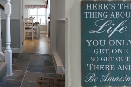 No 2 The Bar - Quaint Cottage 5* rating - Ричмонд - Дом