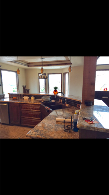 Spacious kitchen, 2 ovens and table for 12!