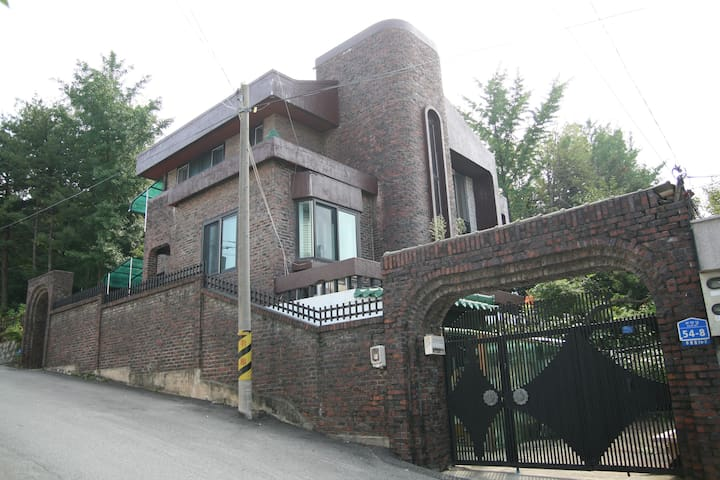 Cozy house in Chuncheon City(춘천) - Boan-gil, Chuncheon-si - House