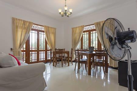 Triple or double room@ beach front  - Wadduwa