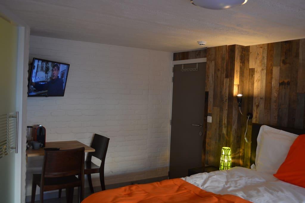 Chambre d 39 elza n 1 b b mouscron chambres d 39 h tes louer for Chambre d hotes champagne region