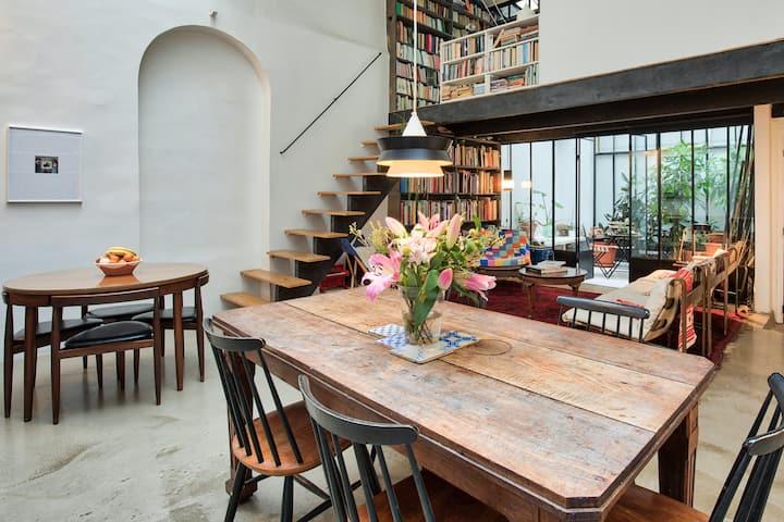 Authentic Artist Loft Atelier in Paris 9th