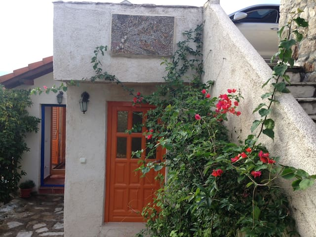Beautiful studio with a seaview - Tivat - Lejlighed