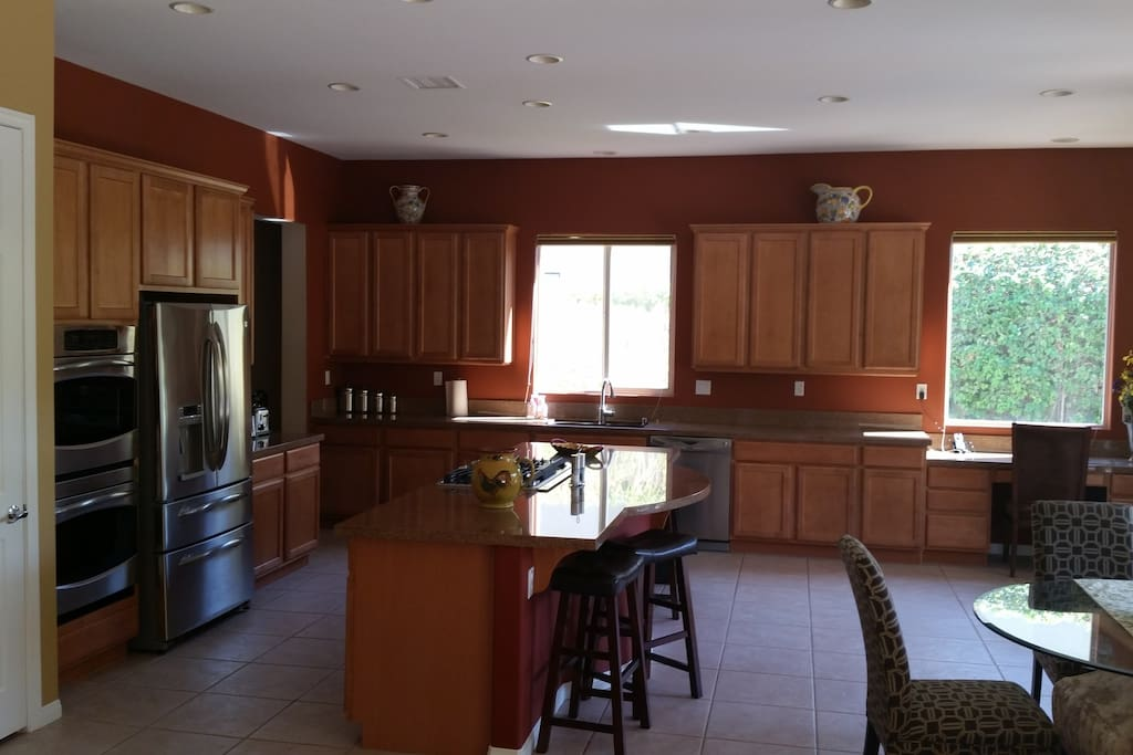 Great kitchen for entertaining and cookin together.