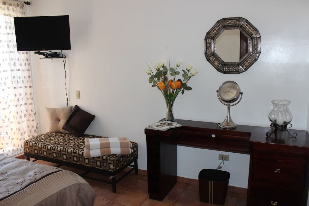 Tasteful stylish and extremely comfortable double bed room private deluxe ensuite