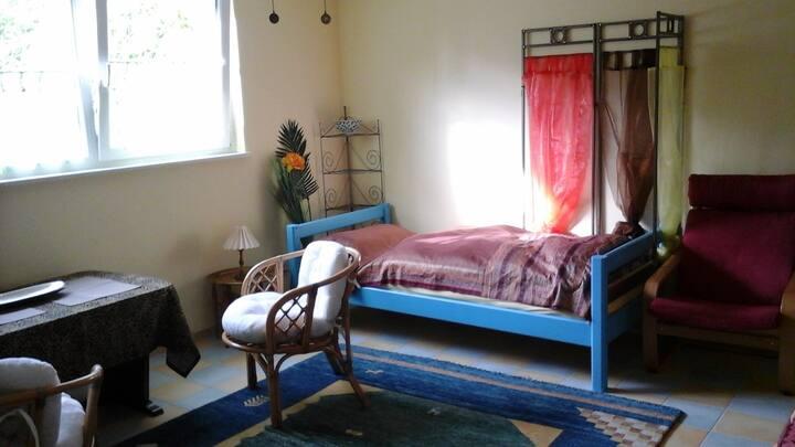 Zimmer in gemütlichem Reihenhaus
