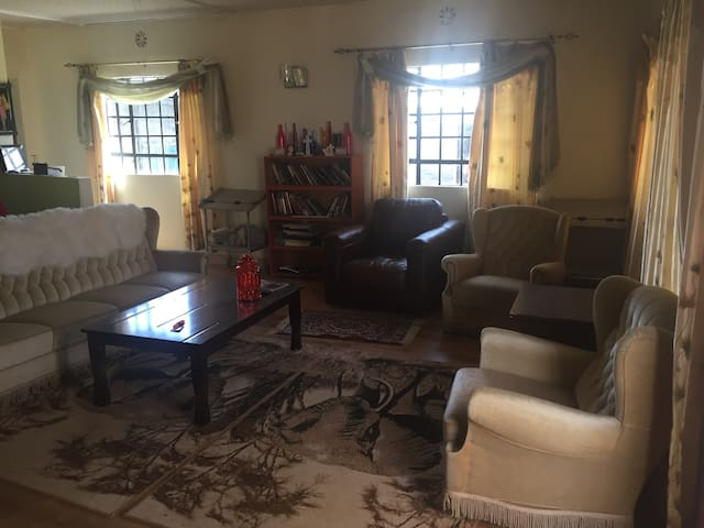 Beautiful Country Home Getaway - Ruiru - Dom