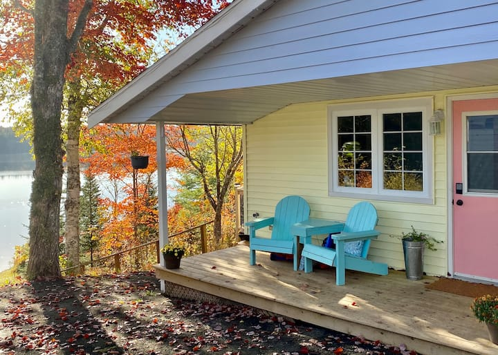 Renovated Lakefront Cottage near Chester