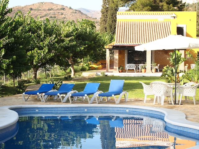 Rural House & Pool, beach 1'5 km. - Almuñécar - Huis