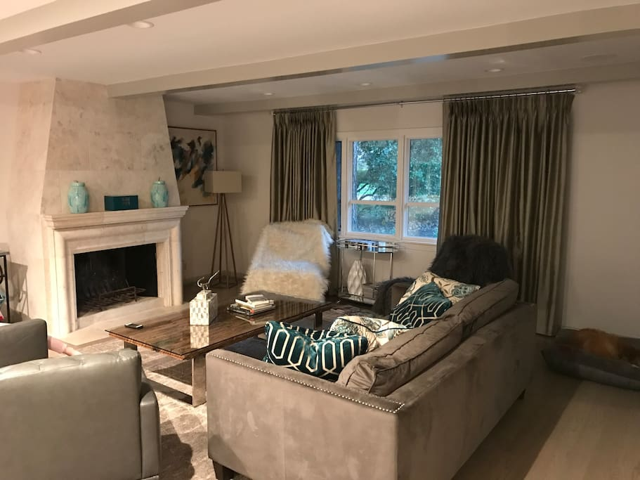 Family room (with TV)