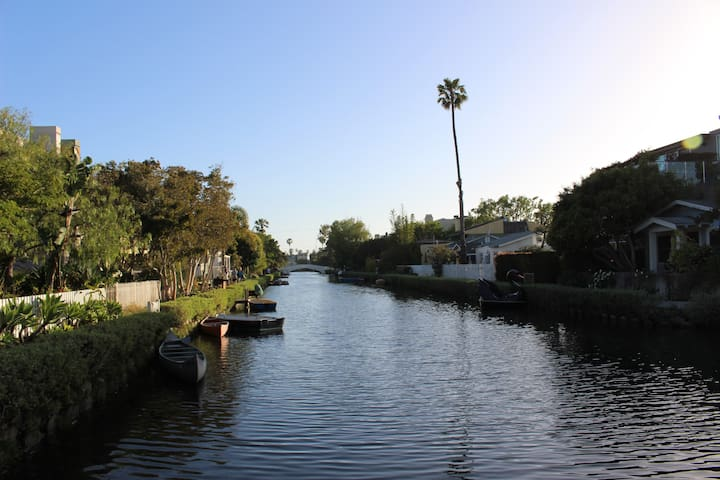 Venice Beach -  Canal Adj. home, 3 blocks to beach
