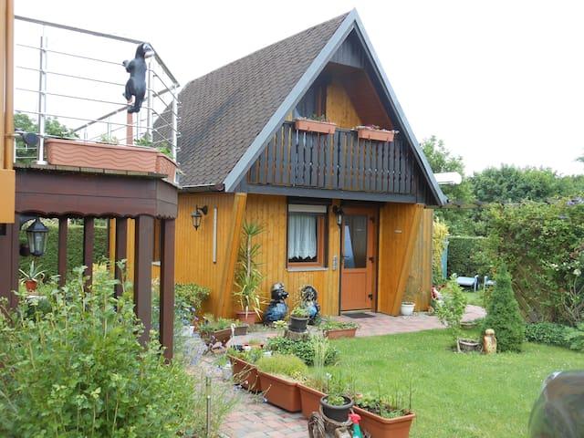 Ferienhaus mit beheiztem Pool bis 6 Personen