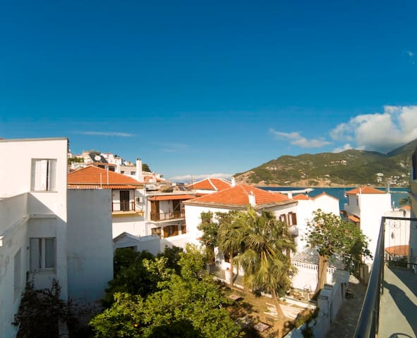 """Yiayia's"" guesthouse in Skopelos - GR - Apartment"