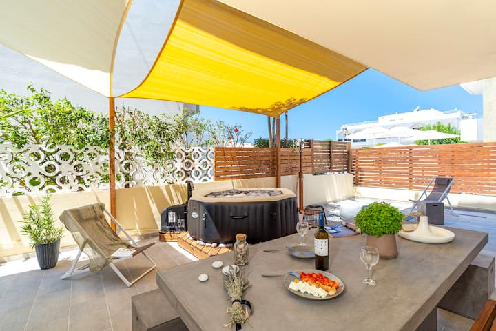 NEW:Anthos🌹Deluxe Suite: Outd Spa, Steps to Beach