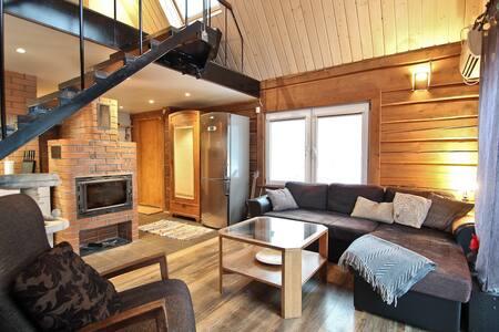 Premium Countryside Cottage w/ XL Sauna & Hot Tub