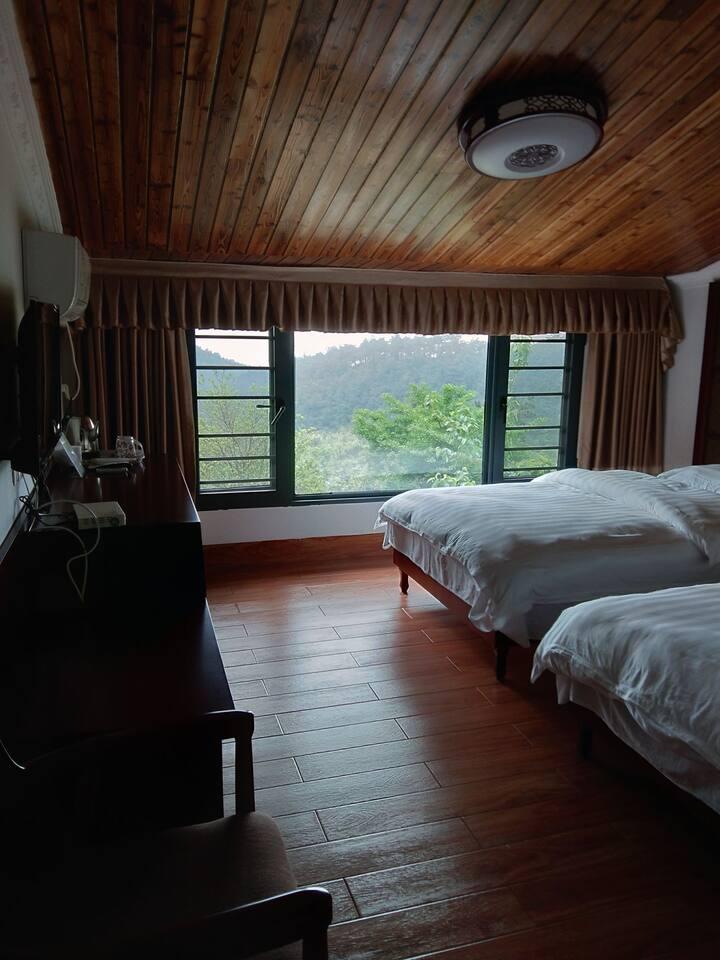 南岳衡山半山腰顺意居标准双人间观景房