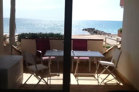 Appartement front mer, vue mer, pieds dans l'eau - Frontignan