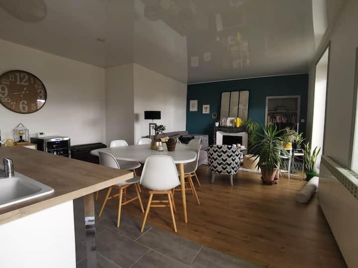 Appartement (90m²)  proche gare et centre ville