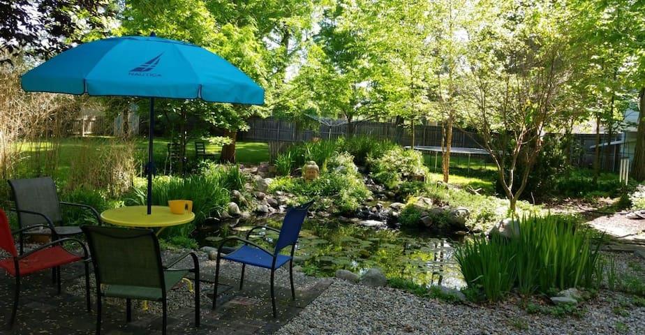 Traveling nurse's dream garden apartment